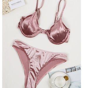 Other - Bikini Velvet Metallic Underwire Swimsuit med new